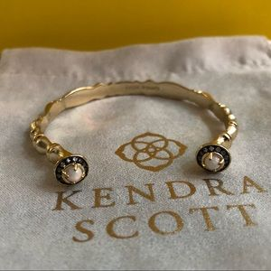 Kendra Scott gold pinch bracelet